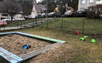 Dzieci petardami zdemolowały plac zabaw