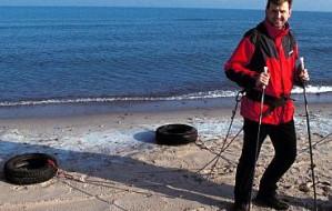 Kamiński przejdzie plażą z niepełnosprawnymi