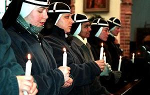 Mnisi, zakonnice i pustelnicy