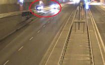 Wieczorna kolizja aut w tunelu pod Martwą...