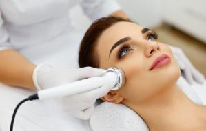 Pielęgnacja skóry dla 30-latki. Jak skutecznie dbać o cerę?