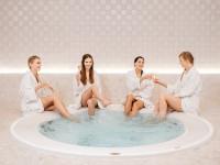 Dzień Kobiet coraz bliżej: pomysł na luksusowy prezent