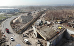 Rozbudowa dróg i linii kolejowych do portu nabiera tempa