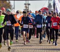Kibicuj biegaczom na trasie gdyńskiego półmaratonu