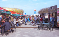 Food trucki opanowały parking Stadionu...
