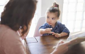 Jak rozmawiać z dziećmi na trudne tematy? Dowiesz się z książek