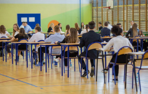 Gimnazjaliści napisali egzamin mimo strajku. Czwartek niezagrożony