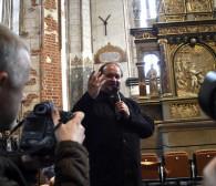 Po 74 latach odsłonięto odrestaurowany ołtarz ze św. Jana