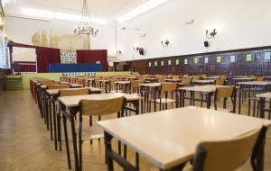 Matura z angielskiego. Kolejne alarmy bombowe, policja pilnuje szkół