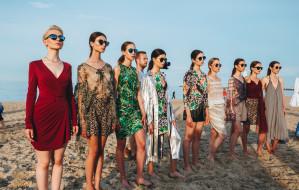 Pokaz mody na plaży: Marka Wspiera Markę