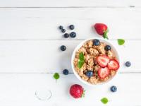 Owoce sezonowe pod lupą. Czy warto je jeść?