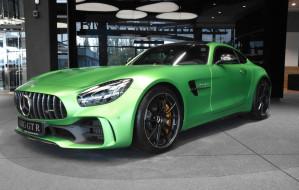 Najdroższe auta w trójmiejskich salonach