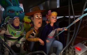 """Te zabawki się nie nudzą. Recenzja filmu """"Toy Story 4"""""""