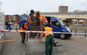 Pomnik Kindertransportów znika na czas remontu Dworca Głównego