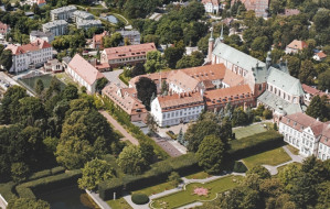 Naprzeciwko katedry w Oliwie powstanie osiedle i mały park