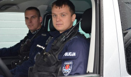 Policjanci odnaleźli i uratowali poranioną 15-latkę