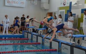 Pływanie dla dzieci. Kiedy zaczynają, kiedy pierwszy start w zawodach?