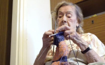 95-letnia sopocianka robi na drutach...