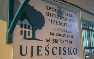 SM Ujeścisko. Mieszkańcy zgromadzili się pod siedzibą