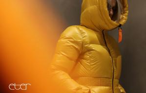 Modne płaszcze i kurtki: dla niej i dla niego