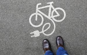 Z prądem czy pod prąd? Zalety i wady rowerów elektrycznych