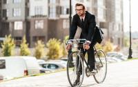 Krótkowidz na rowerze. Wybrać okulary czy soczewki?