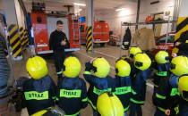 Przedszkolaki odwiedziły gdyńskich strażaków