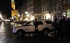 Pijany wjechał autem na Długi Targ. Zatrzymali go świadkowie