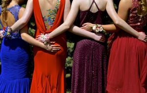 Jaki dress code na bal, bankiet czy firmowy koktajl?