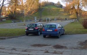 Koniec z parkowaniem w parku na Siedlcach