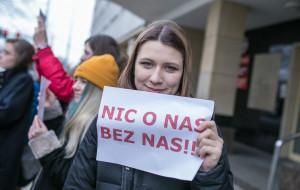 """Młodzież o programie Zdrovve Love: """"nie decydujcie za nas!"""""""