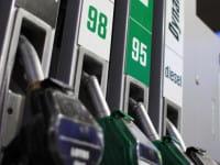 Litr benzyny w cenie 3,57 zł. To dobry czas dla tankujących