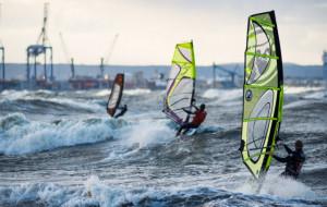 Można już żeglować bez ograniczeń. Ćwiczenia, które pozwolą wrócić do windsurfingu