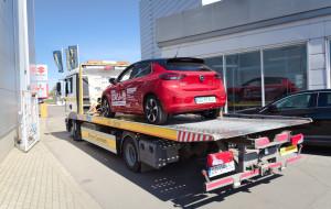 Usługa door-to-door w salonach samochodowych