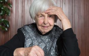 Ukradła 88-latce pieniądze i biżuterię