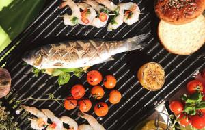 Majówka: gotowe dania na grilla z restauracji