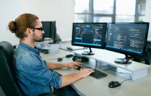 Bootcampy programistyczne. Jak zacząć pracę w IT?