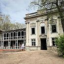 Trwa modernizacja Domu Zdrojowego w Brzeźnie