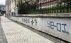 Neonazistowskie symbole na murach we Wrzeszczu