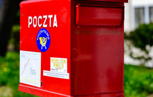 Poczta próbuje dostarczyć pierwsze pakiety wyborcze