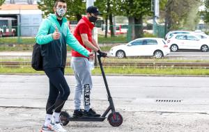 Dusan Kuciak: Musimy być odpowiedzialni. Bramkarz Lechii Gdańsk piechotą do domu