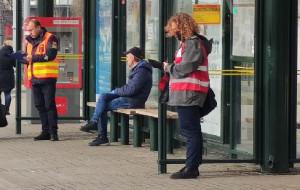 Więcej pasażerów w komunikacji po otwarciu sklepów