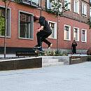 Deskorolkarze na nowym skwerze w centrum Gdańska