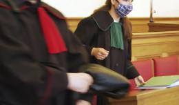 Sędzia za ścianą, prokuratorzy w maskach. Nowa rzeczywistość w sądach