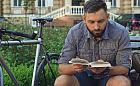 Po treningu: kolarski kryminał, biografia, a może gra planszowa?