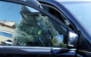 Zatrzymania ws. korupcji przy zakupie sprzętu dla armii