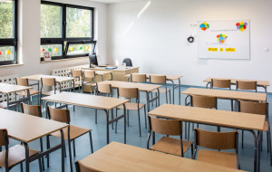 """Rzecznik praw dziecka apeluje o """"promocję"""" szkolnych świadectw"""