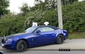 Kolizja z udziałem Rolls-Royce'a. Kierowca bez prawa jazdy