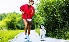 Co robić, gdy pies goni biegacza?