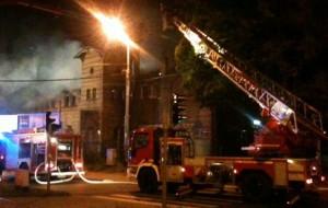 Pożar zabytkowej zajezdni w Oliwie